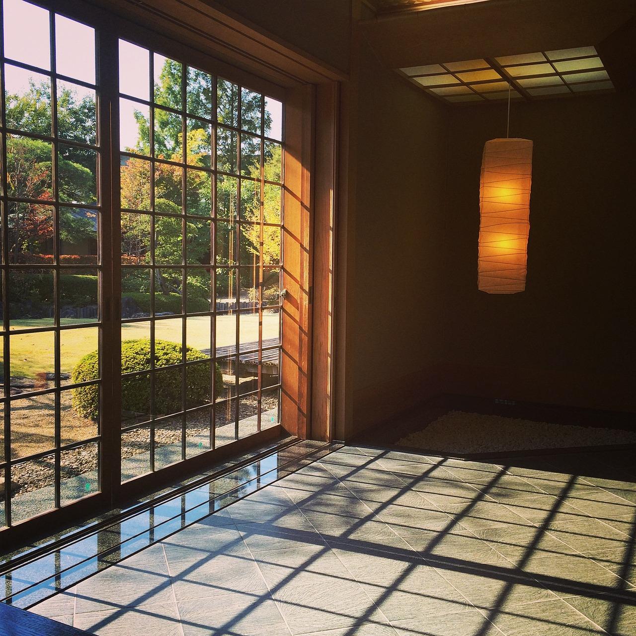 La ventana en la historia: madera, acero y plástico