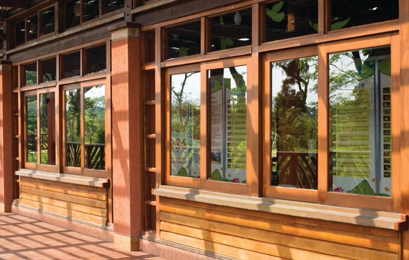 La ventana en la historia madera acero y pl stico for Ventanas de aluminio con marco de madera